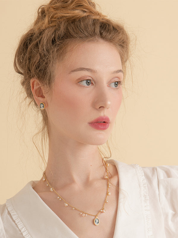 Gold-plated Dainty Pearls & Mini Cameo Necklace