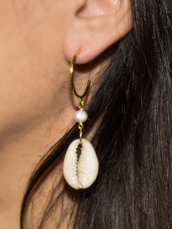 Vintouch Baroque Pearls Cowry Shells Hoop Earrings