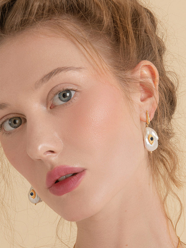 The Eye Pearl & Blue Sapphire Earrings