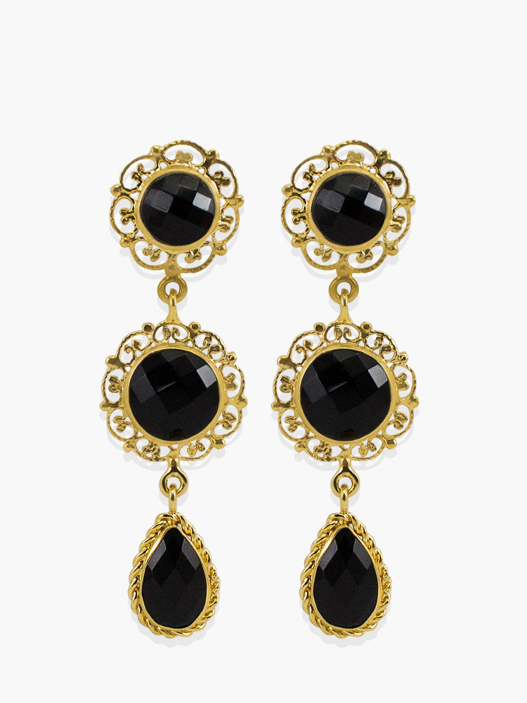 Inspired by the antique goldsmith technique known as 'Filigrana' - consisting in binding thin precious metal wires in order to create a pierced structure around the gemstone - the 'Taormina' earrings are handmade from 18-karat Gold Over Sterling Silver enriched by the vibrance of three onyx stones in different sizes and shapes. Style this amazing earrings with your daytime tailoring or evening outfits either alone or stacked with the matching necklace.