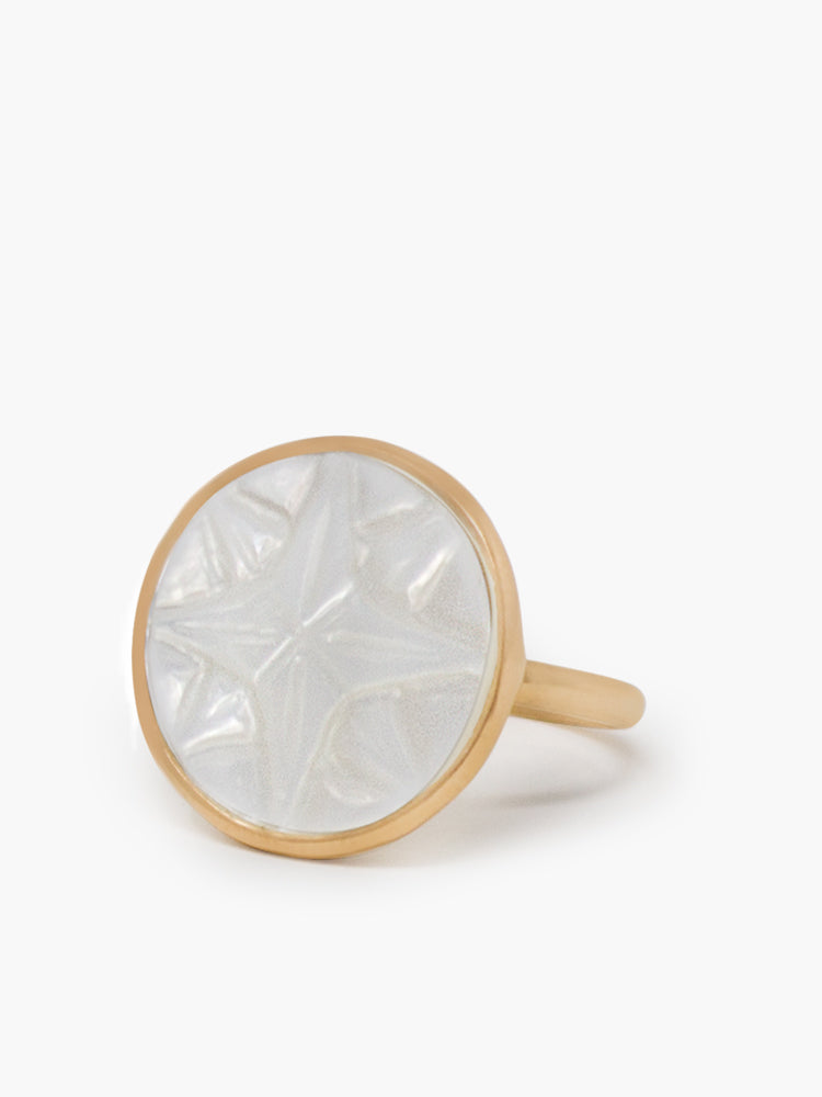 Rose Des Vents Mother Of Pearl Rose-plated Ring