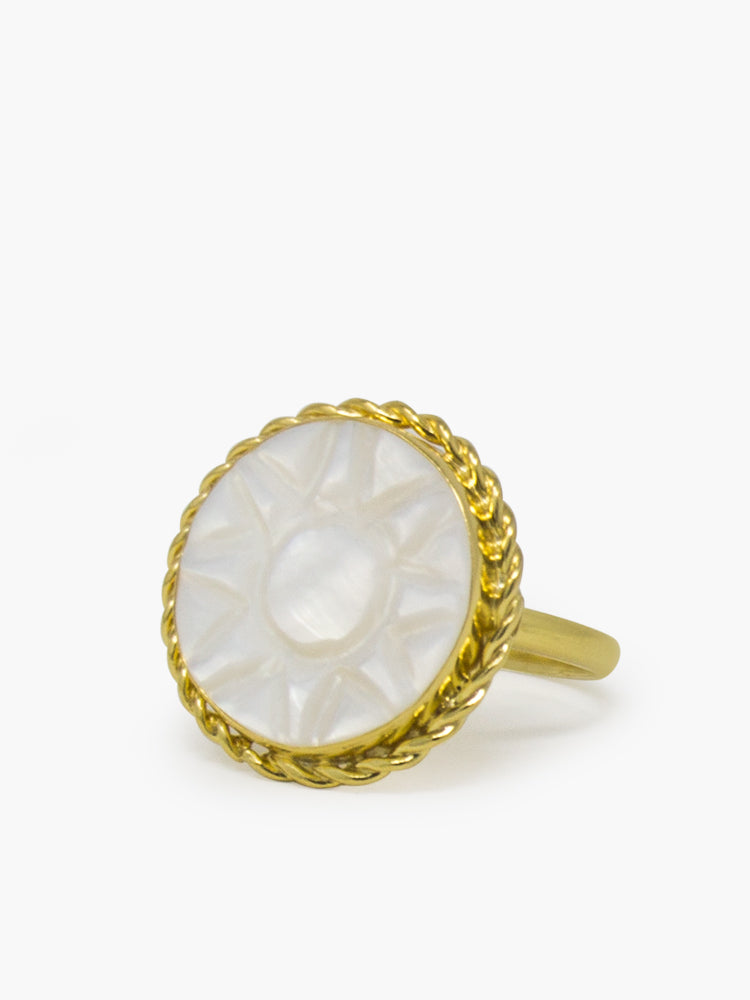 Vintouch's 'Soleil' Gold-plated hand-carved mother of pearl ring.