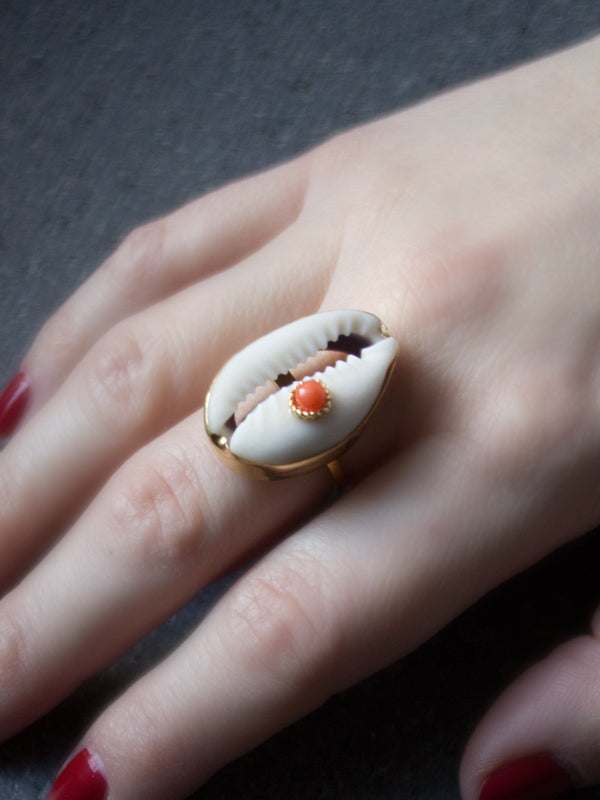 Vintouch Coral Spot Cowry Shell Ring
