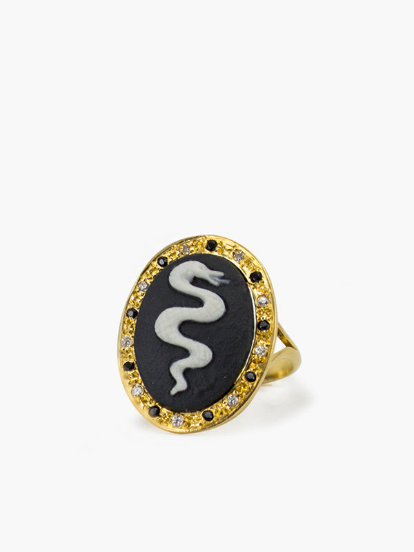 Vintouch Snake Cameo Ring
