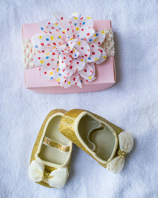 Cute walk shimmer sandals with bow applique and Hairband