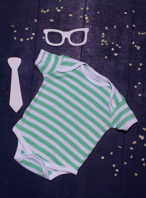 Tod N Fant Half sleeves onesies green and white- Stripes