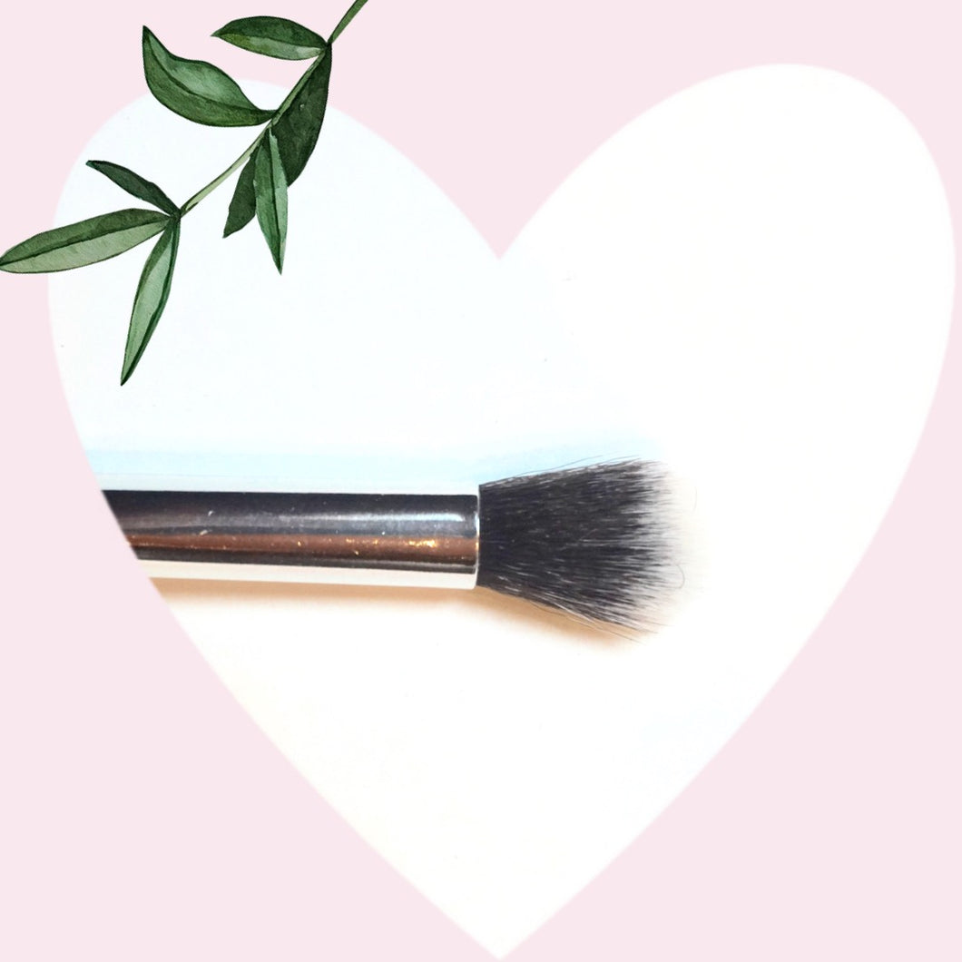 Charming eye blending brush