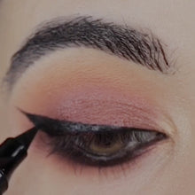 Load image into Gallery viewer, Wing Eyeliner Stamp kit (LUISA'S FAV) COMES WITH 2!