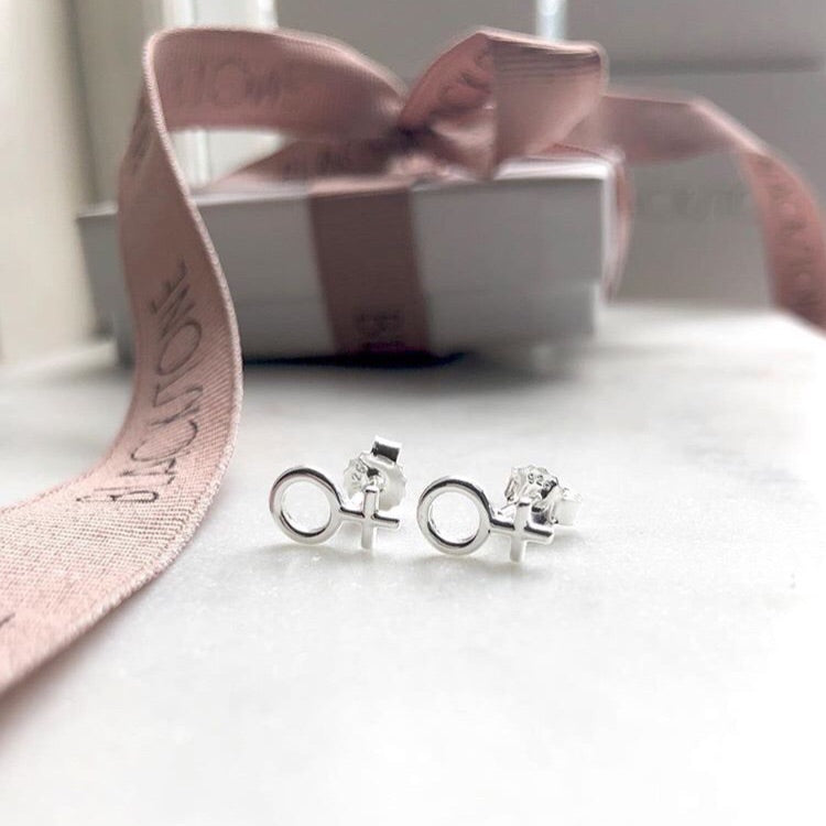 SHE earrings mini