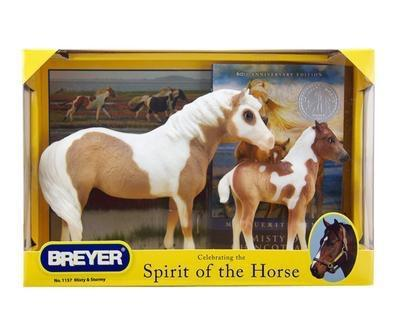 Breyer model horse set.  Spirit of the Horse.  Mare and Foal.  Paint horses.  Light brown and white.