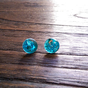 Brilliant Blue Silver Mix Leaf Circle Resin Stud Earrings, Stainless Steel Stud Earrings. 12mm - Silver and Resin Designs