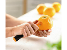 Load image into Gallery viewer, Fiskars Functional Form Ergonomic Orange Peeler