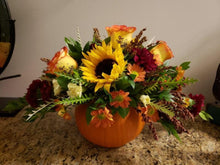 Load image into Gallery viewer, Thanksgiving flowers near me.  fall flowers orleans flowers