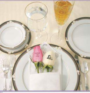 Placemat Rose - from $25 Flower Arrangements, Flower, Florist, Print-a-Bunch Ottawa - Orleans Florist, Great for a Birthday and Anniversary