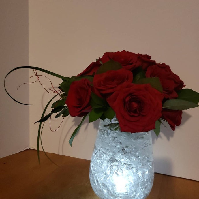 Icy Hot Roses Flower Arrangements, Flower, Florist, Print-a-Bunch Ottawa - Orleans Florist, Great for a Birthday and Anniversary