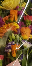 Load image into Gallery viewer, Presentation Bouquet Flower Arrangements, Flower, Florist, Print-a-Bunch Ottawa - Orleans Florist, Great for a Birthday and Anniversary