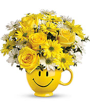 Load image into Gallery viewer, Teleflora Happy Face Mug - Anniversary Flower Arrangements, Flower, Florist, Print-a-Bunch Ottawa - Orleans Florist, Great for a Birthday and Anniversary