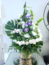 Load image into Gallery viewer, Anniversary flowers near me birthday surprise.  florist in Orleans