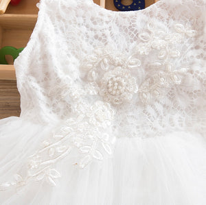 Tia & Sia | Beautiful white lacy dress for baby girls