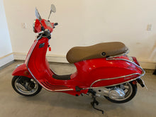Load image into Gallery viewer, Vespa Scooter