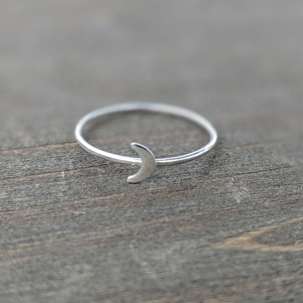 • CRESCENT MOON • ring - sterling silver