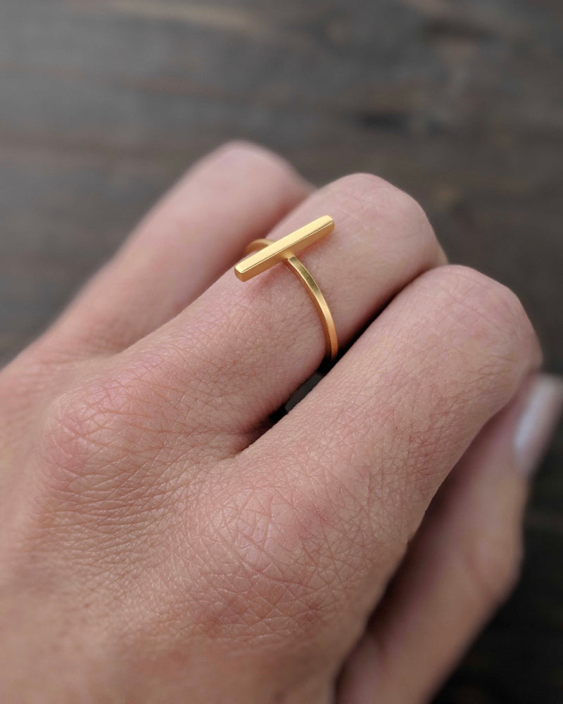 • SET THE BAR • gold ring