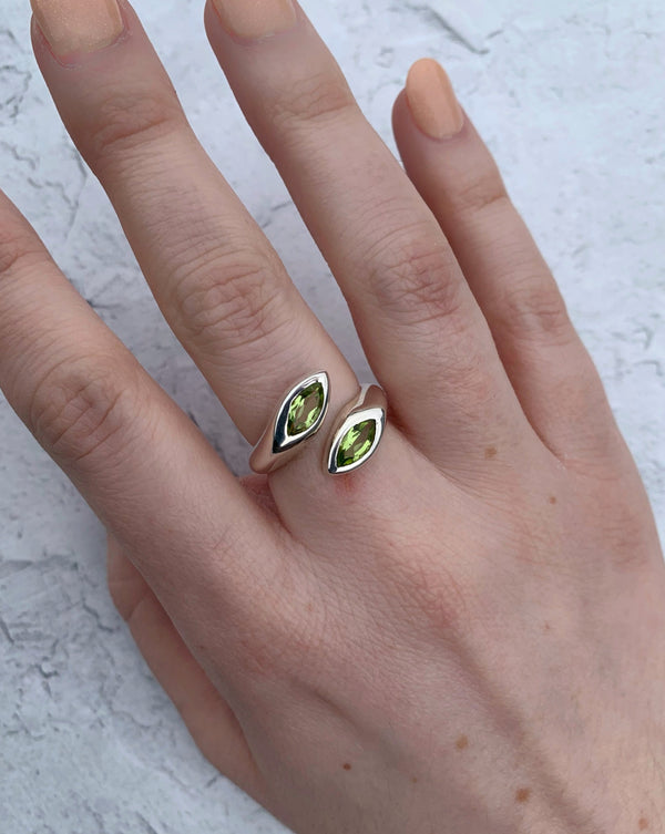 • EMBRACE • peridot adjustable sterling silver ring