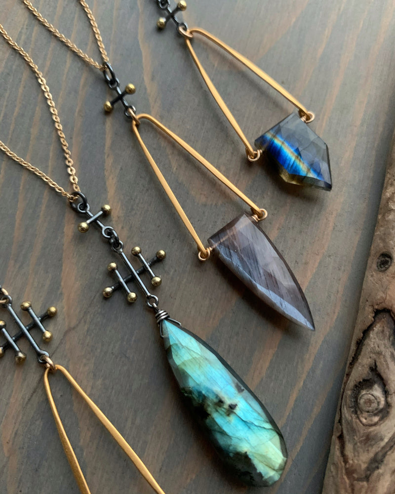 - INVOKE - chocolate moonstone mixed metal necklace (LIMITED)