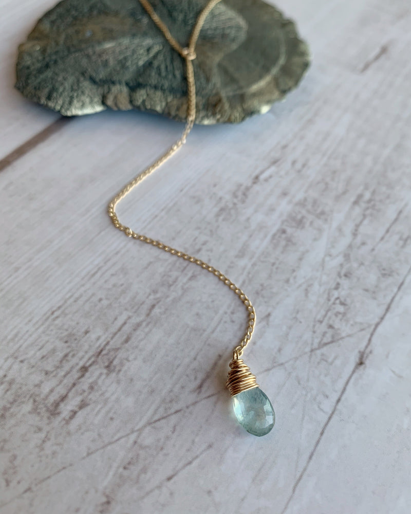 • Y-DROP • moss aquamarine gold necklace