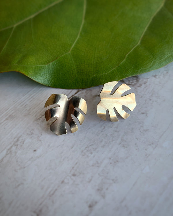 • SMALL MONSTERA • brass stud earrings