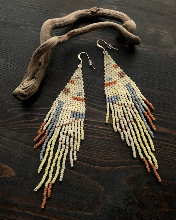 • LIMONATA • beaded dangle earrings