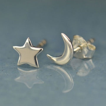 • CRESCENT MOON & STAR • silver stud earrings