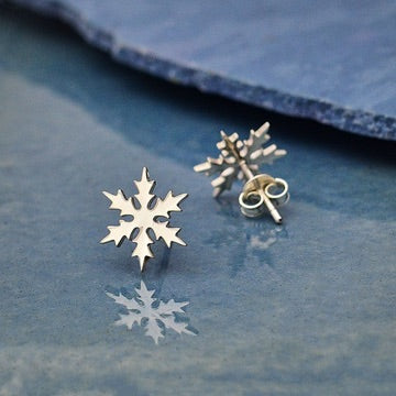 • SNOWFLAKE • silver stud earrings