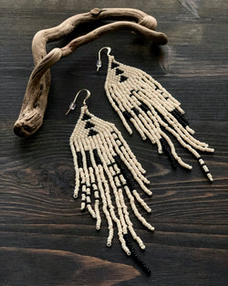 • HUNTRESS • beaded dangle earrings