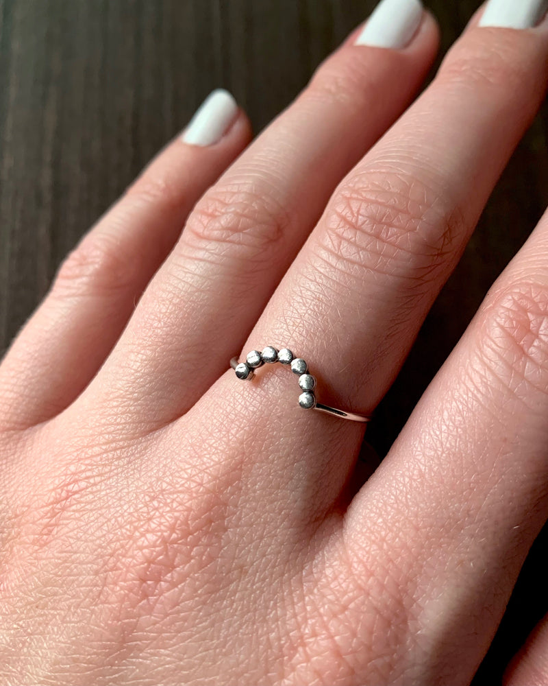 • DOTTED ARC • silver ring