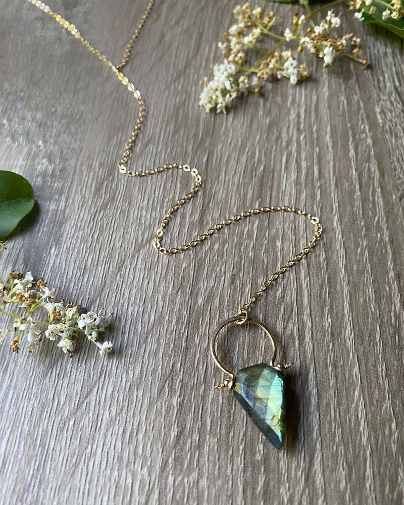 • ARROW • labradorite gold y-necklace