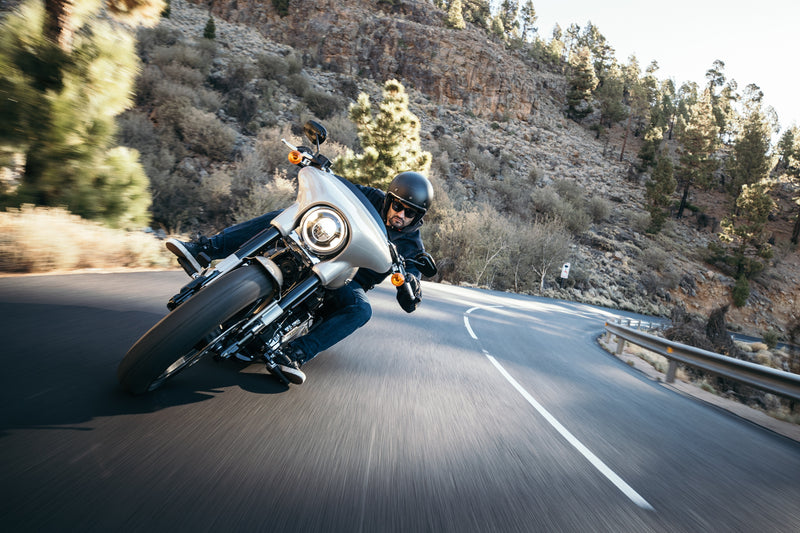 Which Motorcycling Gear You Should Be Wearing While Riding A Motorcycle?