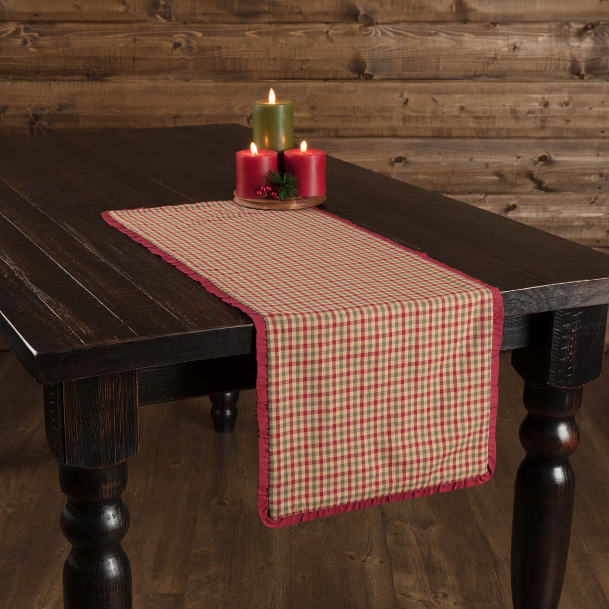 Jonathan Plaid Ruffled Runner