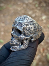 Load image into Gallery viewer, Tied Wind Skull Ring Sterling