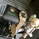 TWS x MG - Relax - The Watch Stand