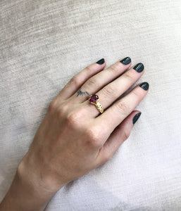 'Scherzo' Ring with Malaya Garnet