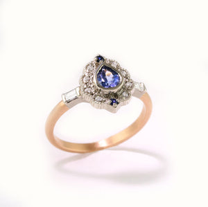 Two Tone Ribbon Frame Sapphire Ring