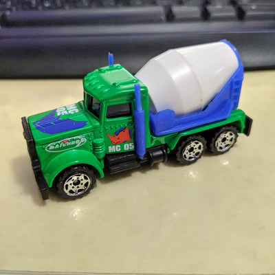 1981 Matchbox Peterbilt Cement Mixer MC05 China Rhino Green/Blue RARE White Mixer