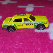 2002 Matchbox Yellow Taxi - Green Checker Version