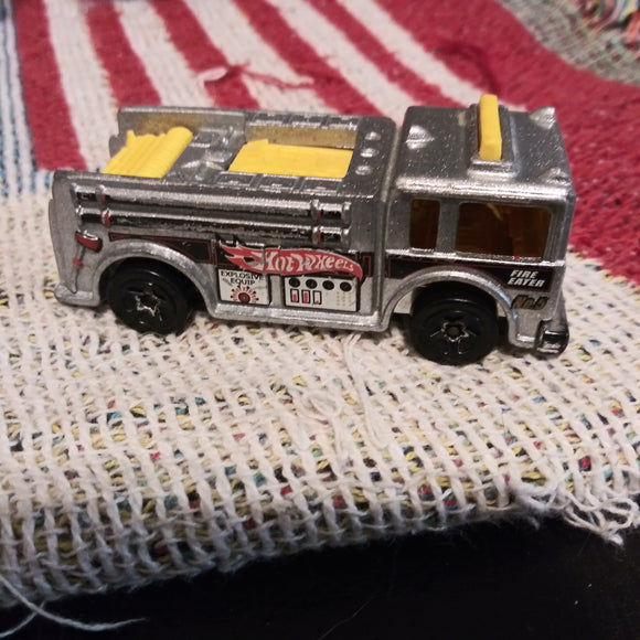 1976 Hot Wheels Fire Eater Fire Truck #5 - Silver and Yellow Version Thailand