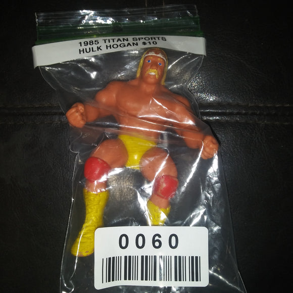 1985 Titan Sports WWF Hulk Hogan Thumb Wrestler