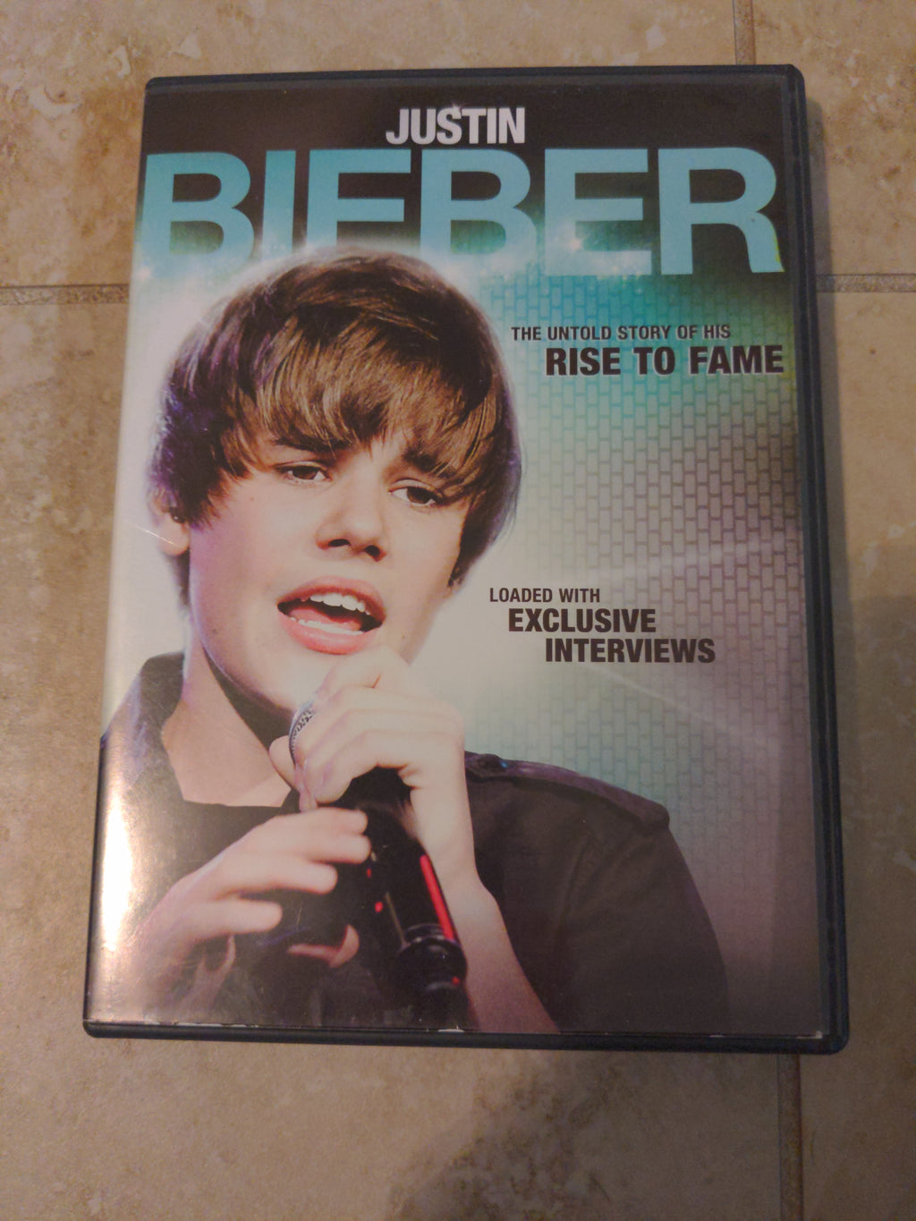 Justin Bieber Untold Story of his Rise To Fame DVD 2011