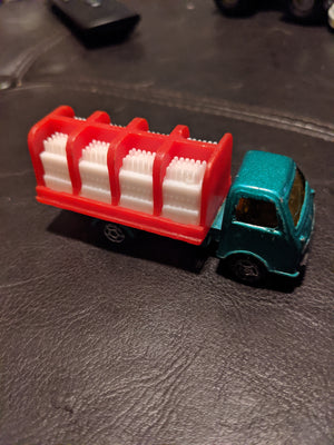 Unbranded Made In China Vintage Green/Red Bottle Delivery Die-Cast Truck