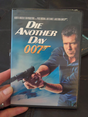 007 Die Another Day DVD - Pierce Brosnan - Halle Berry - John Cleese - Judy Dench