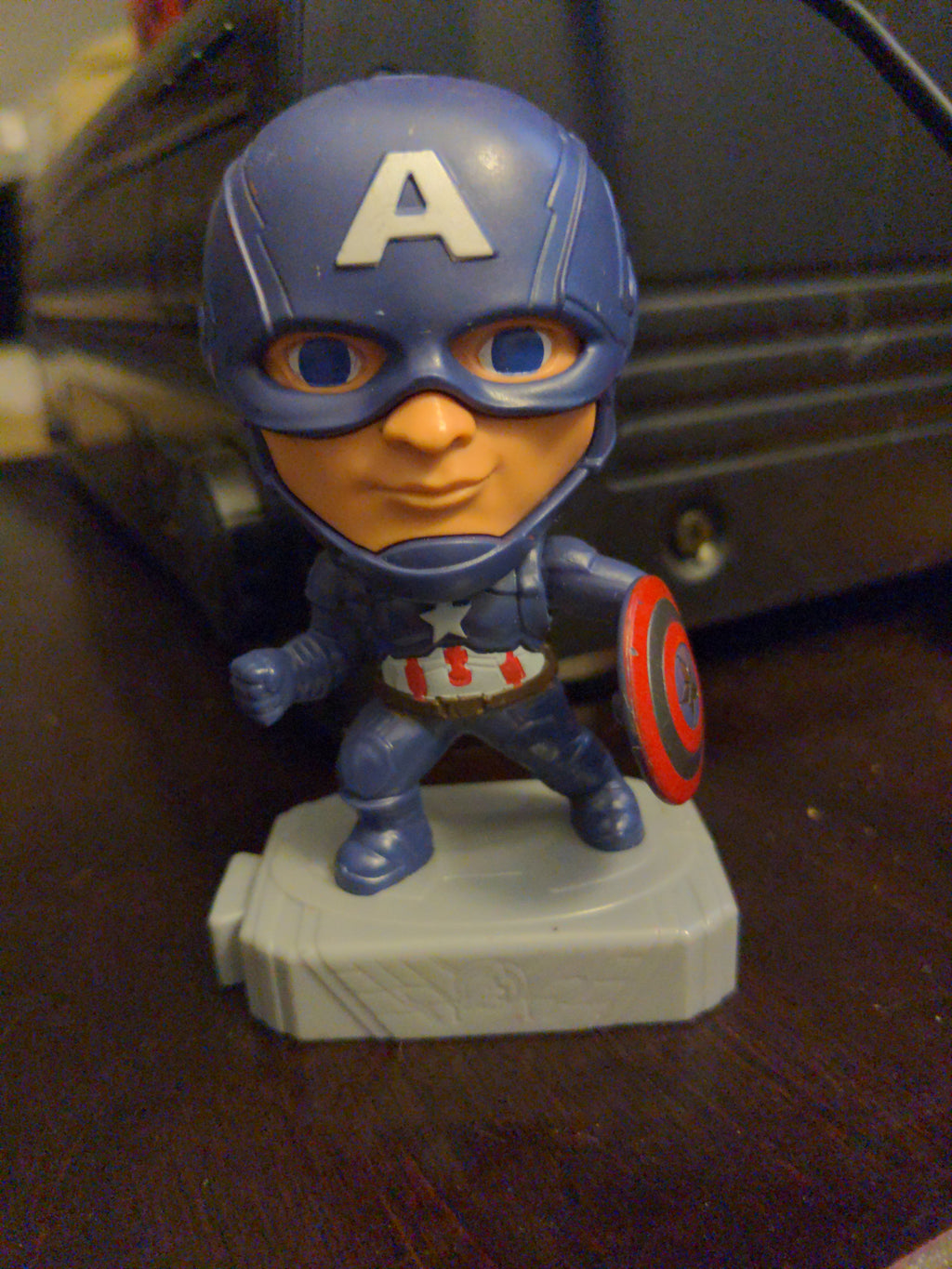 2019 McDonalds Marvel Avengers End Game - Captain America with Moving Shield On Base